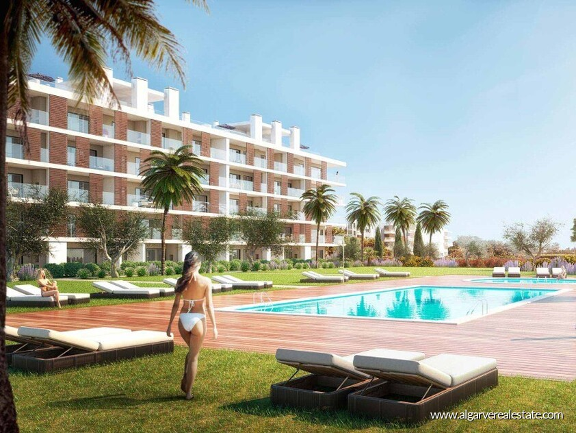 3 bedroom apartment located in a private condominium in Albufeira