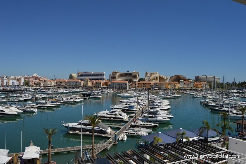 1 bedroom apartment with stunning views over the Marina of Vilamoura