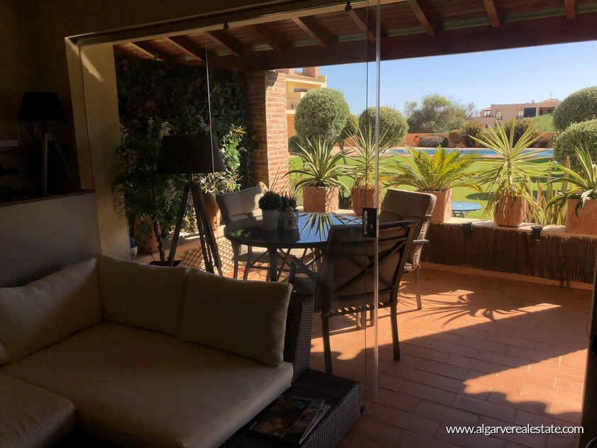 2 bedroom apartment located in a private condominium in Vilamoura