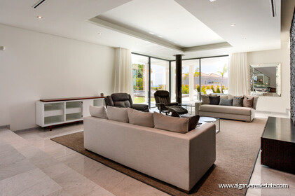 Contemporary four bedroom villa with sea view in Vale do Lobo - 2