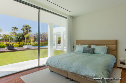 Contemporary four bedroom villa with sea view in Vale do Lobo - 5