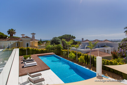 Contemporary four bedroom villa with sea view in Vale do Lobo - 13