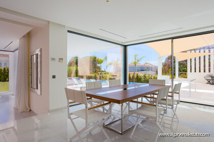 Contemporary four bedroom villa with sea view in Vale do Lobo - 3