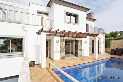 Four bedroom villa with swimming pool in São Brás de Alportel