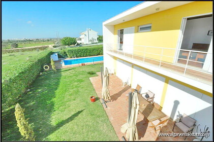 3 bedroom villa with swimming pool within walking distance of the beach in Salgados - 11