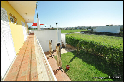 3 bedroom villa with swimming pool within walking distance of the beach in Salgados - 12