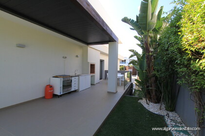 4 bedroom Villa +2 located in Olhos d'agua the distance Beach - 20