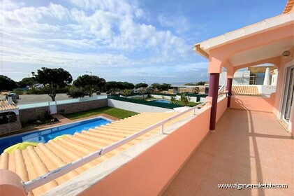4 bedroom villa on Galé beach with sea view and walking distance from the beach - 16
