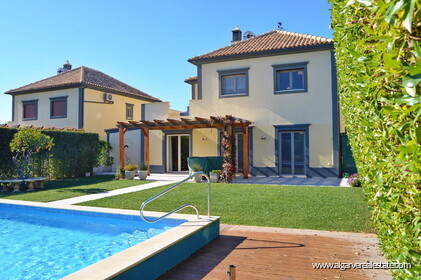 Villa with 4 bedrooms and private pool located near Almancil