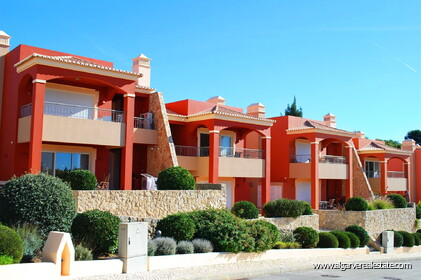 2 bedroom apartment overlooking the Vale da Pinta golf course - 0
