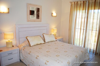 2 bedroom apartment overlooking the Vale da Pinta golf course - 5