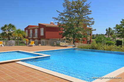 2 bedroom apartment overlooking the Vale da Pinta golf course - 7