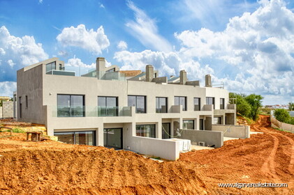 Contemporary-style townhouses overlooking the Arade River - 19