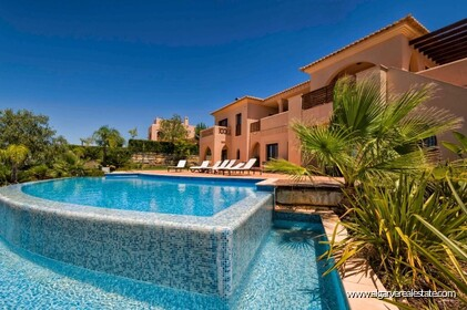 Villa with 4 bedrooms and private pool located in front of the golf - 1
