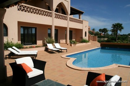 Villa with 5 bedrooms and private pool located in front of the golf - 11