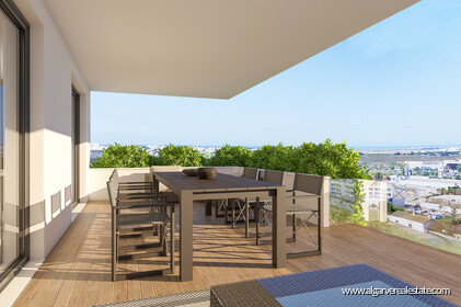 Penthouse T4 Duplex located in gated condominium with swimming pool in Faro