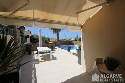 Semi-detached 3 bedroom villa, with excellent finishings and magnificent areas - 9583