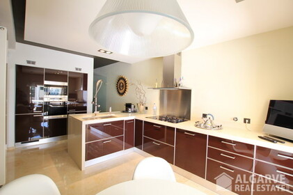 Semi-detached 3 bedroom villa, with excellent finishings and magnificent areas - 9588