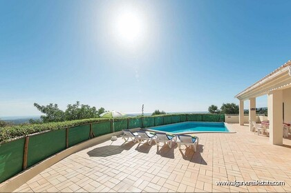 Detached single storey with 3 bedrooms, pool and sea views - 8