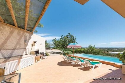 Villa for sale in Estoi with sea view - 0
