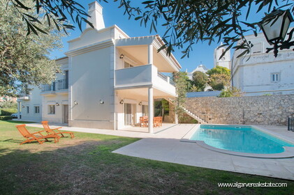 House with 5 bedrooms and swimming pool located in Santa Bárbara de Nexe - 25