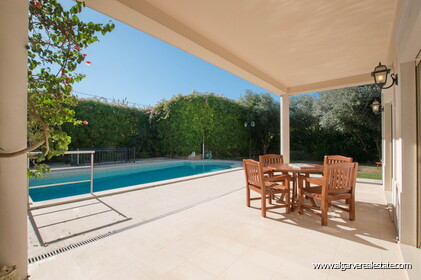 House with 5 bedrooms and swimming pool located in Santa Bárbara de Nexe - 26