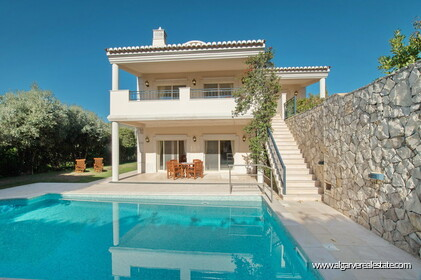House with 5 bedrooms and swimming pool located in Santa Bárbara de Nexe - 29