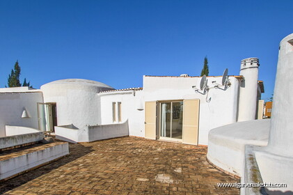 Typical Portuguese villa, 5 bedrooms and swimming pool located near Faro - 22
