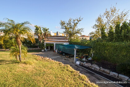 Typical Portuguese villa, 5 bedrooms and swimming pool located near Faro - 30