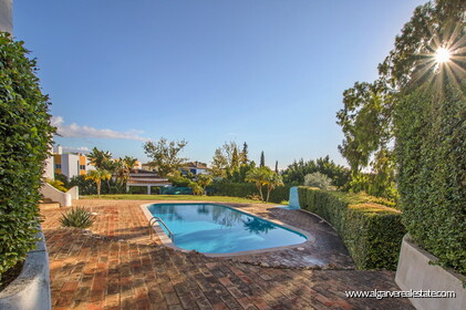 Typical Portuguese villa, 5 bedrooms and swimming pool located near Faro - 35