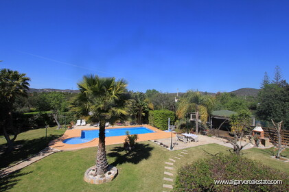 B&B Villa with 7 bedrooms in Santa Bárbara de Nexe