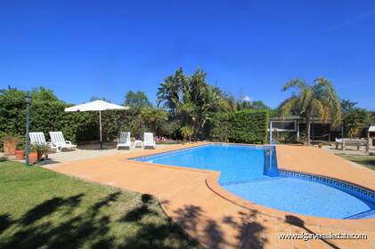 B&B Villa with 7 bedrooms in Santa Bárbara de Nexe - 1