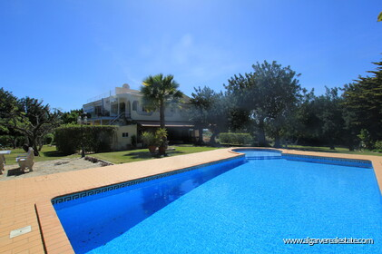 B&B Villa with 7 bedrooms in Santa Bárbara de Nexe - 8