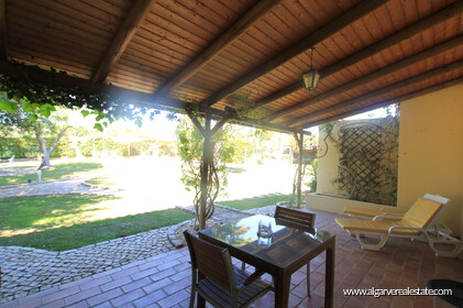 B&B Villa with 7 bedrooms in Santa Bárbara de Nexe - 12