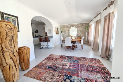 House with 7 bedrooms and swimming pool located in Santa Barbara de Nexe - 5