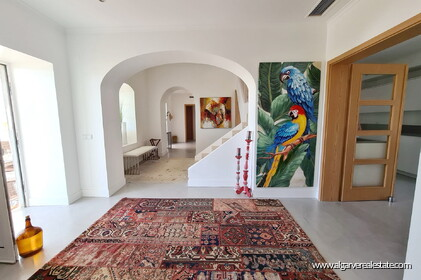 House with 7 bedrooms and swimming pool located in Santa Barbara de Nexe - 6