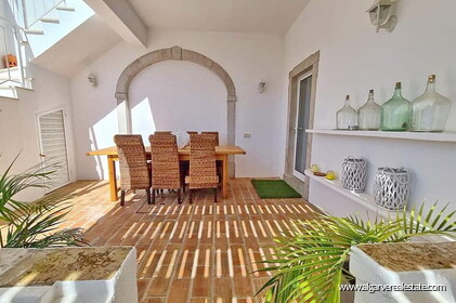 House with 7 bedrooms and swimming pool located in Santa Barbara de Nexe - 15