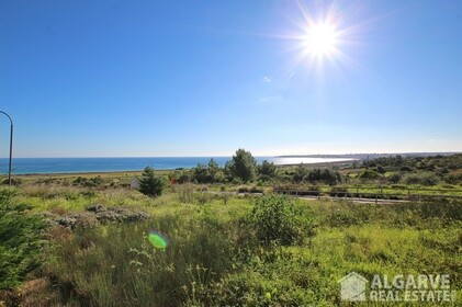 Plots for villas with exceptional views of the sea and golf - 3431