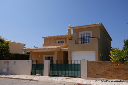 3 bedroom villa with the 300 metres from the beach of Porto de Mós - 0