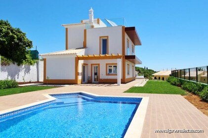 New villa with swimming pool and sea view located in Praia da Luz - 1