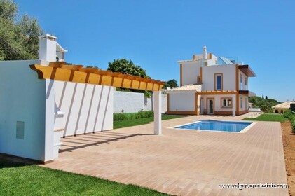 New villa with swimming pool and sea view located in Praia da Luz - 2