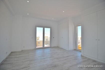 New villa with swimming pool and sea view located in Praia da Luz - 8