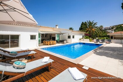 4 bedroom villa for sale in front of Praia da Luz • Algarve - 1