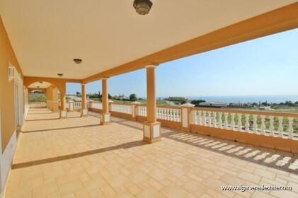 Villa with sea views located at Reserva da Luz - 1