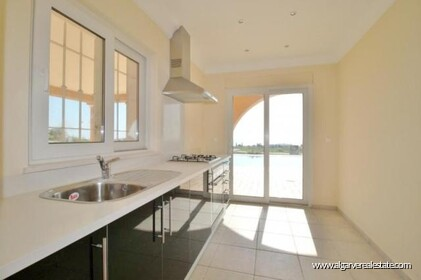 Villa with sea views located at Reserva da Luz - 10