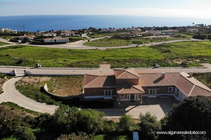 Villa with sea views located at Reserva da Luz - 15
