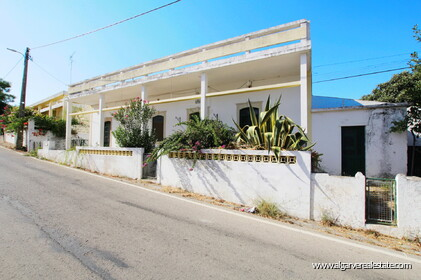 3 bedroom villa to renovate near Loulé