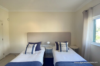 Villa with 5 bedrooms, swimming pool and tennis court with sea view - Loulé