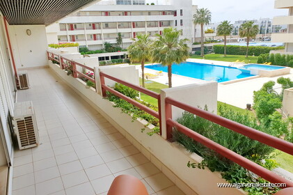 Two bedroom apartment located in Vilamoura Marina
