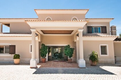 Villa with 4 bedrooms and Office with lake view- Quinta do Lago - 9860